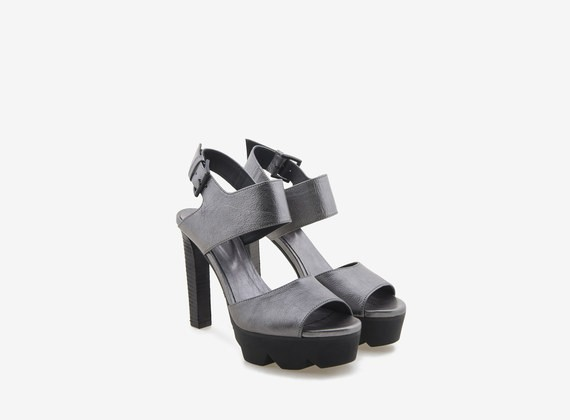 Laminated high-heeled sandal with grip-fast sole