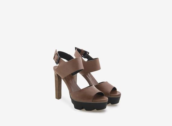 Sandalo due fasce color cuoio e carrarmato