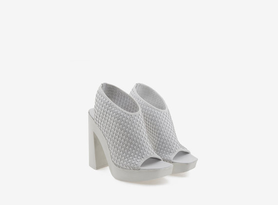 Monochrome peeptoe sandal with elastic weave