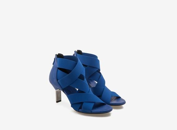 Sandalo blu con tacco acciaio e fasce elastiche