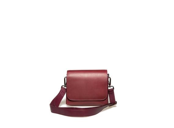 Satchel bag with a rigid bodywork