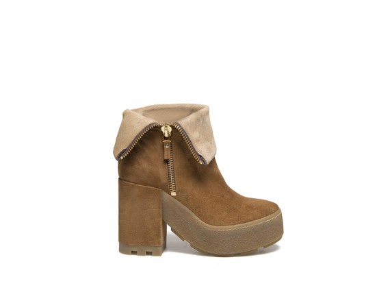 Ankle boot with pony skin effect lapel and crepe sole