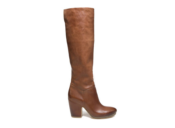 Cognac leather boots with shell-shaped heel and crepe sole