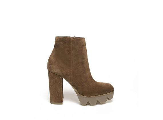 Brown suede ankle boot with heavy tread