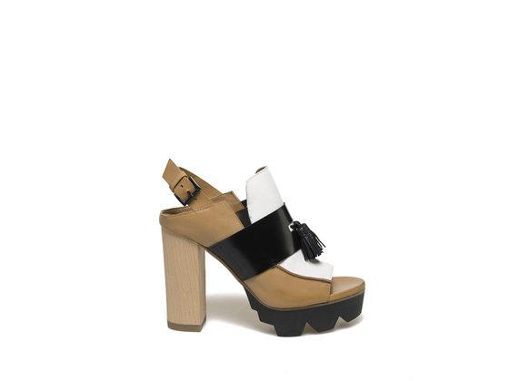 Peep-toe loafer on wooden heel