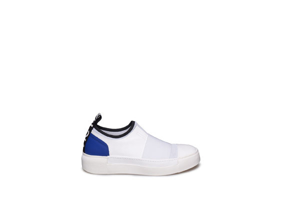 White slip-on with blue heel