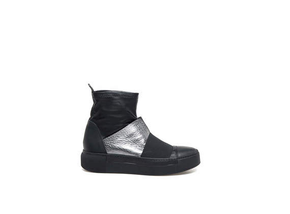 Stretch heeled ankle boots with elastic and silver leather