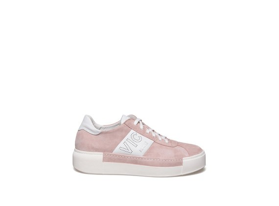 Lace up shoe in powder pink suede