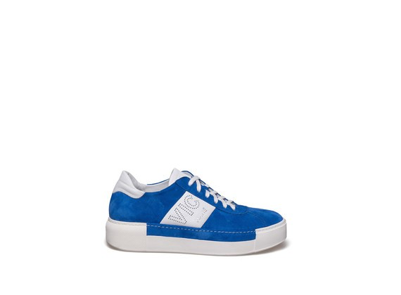 Lace up shoe in cronflower blue suede