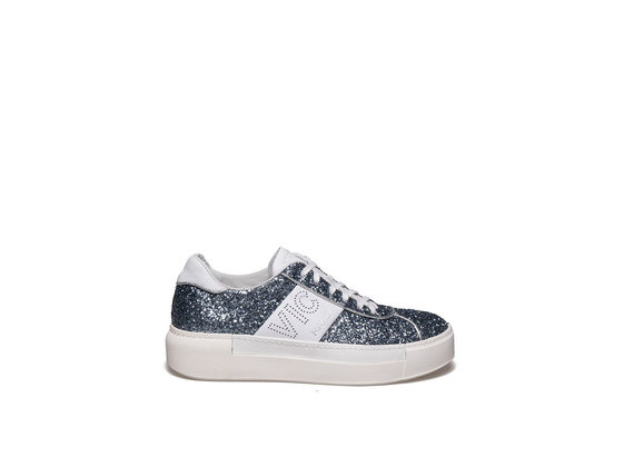 Lace up shoe in glitter and light blue leather