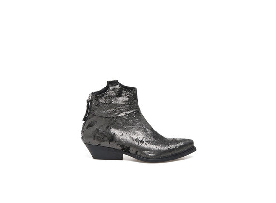 Texan booties in carved steel leather