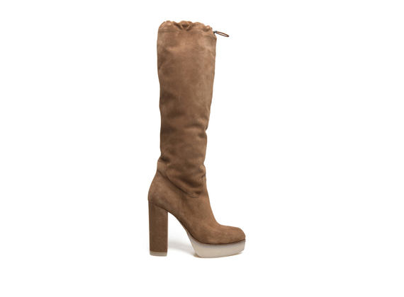 Suede tobacco-coloured boots with drawstring