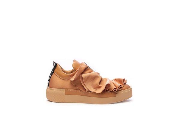Sneakers à fronces en cuir rose pâle