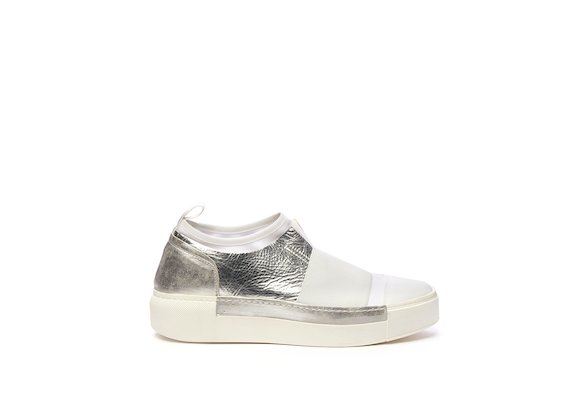 Slip-on shoe with stretch sock and elastic band
