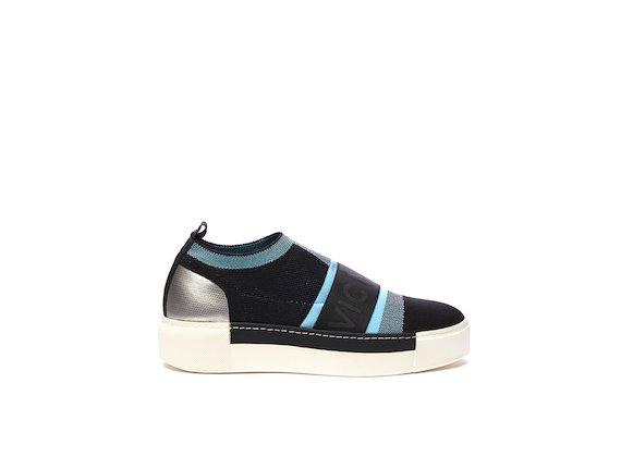 Slip-on style chaussette color-block et élastique noir et bleu ciel