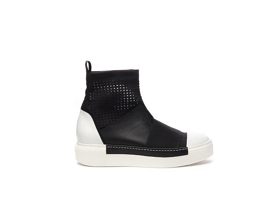 Perforated stretch jersey half boot with elastic band