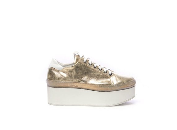 Gold leather Derby shoe with a flatform sole