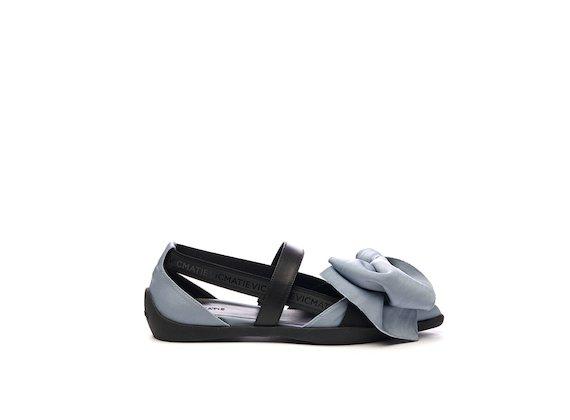 Ballerina shoe with sky blue elastic maxi bow