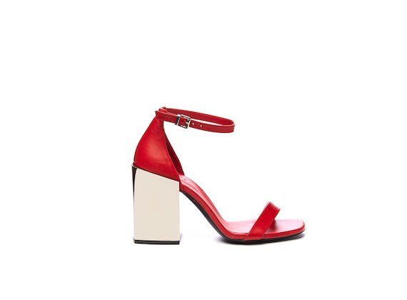 Sandal with closed heel and strap with mirrored maxi heel - Red
