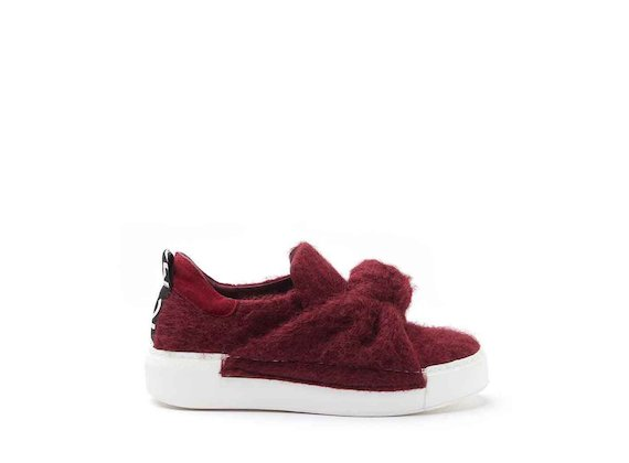 Felt sneakers with burgundy bow