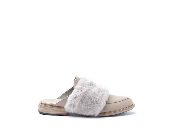 Dusty pink slip-ons with fur band