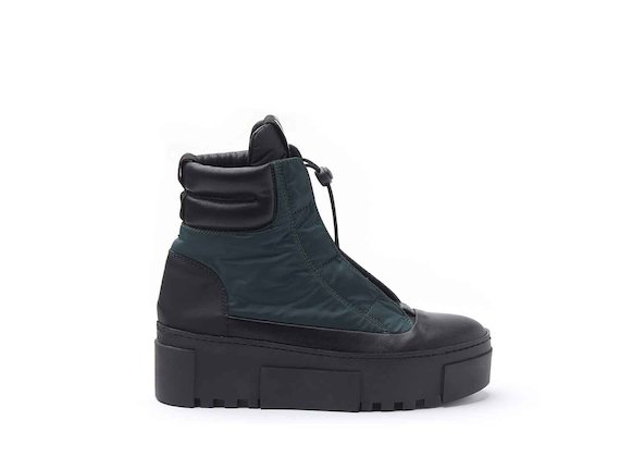 Nylon hiking-style heeled ankle boots with bellows tongue