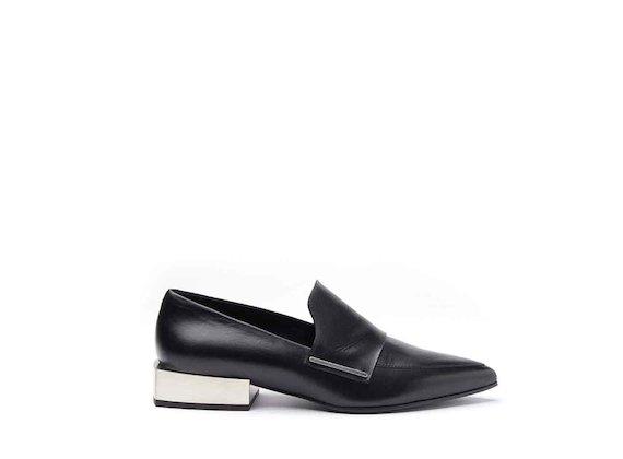 Moccasins with metallic block heel