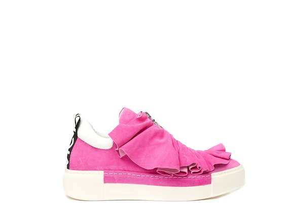 Fuchsia shoe with metal zip and ruches