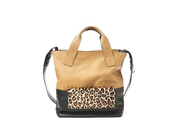 Petra<br>Shopper bag with removable leopard-print clutch
