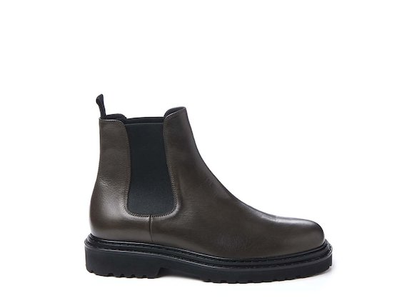 Dark grey Beatle boot