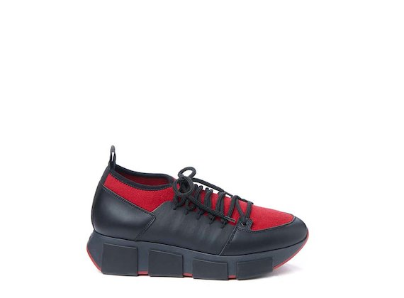 Red stretch sock trainer