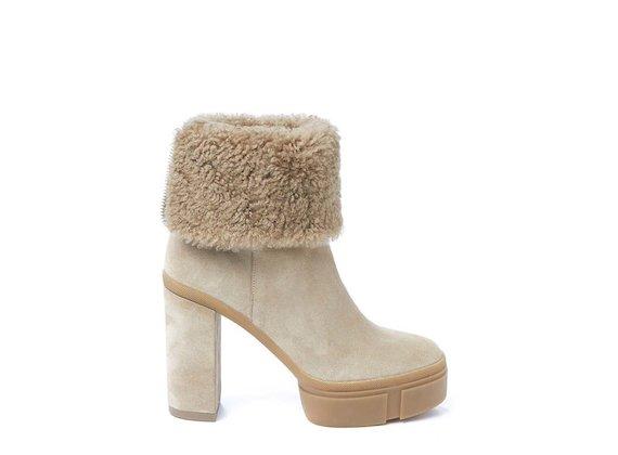 Sheepskin-lined half boot