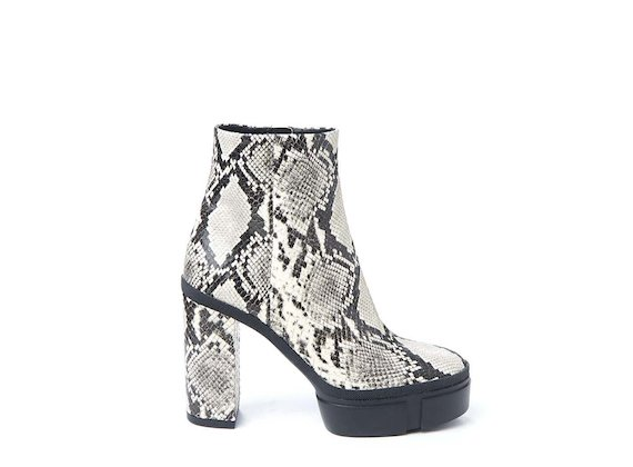 Rock snakeskin-effect ankle boot