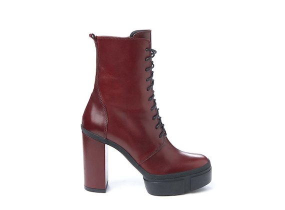 Red combat boot with rubber platform