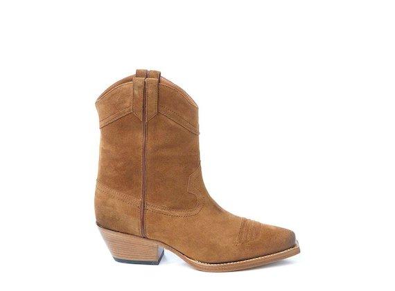 Cognac-coloured suede cowboy boot