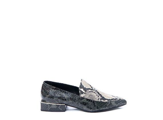 Snakeskin-effect patchwork loafer