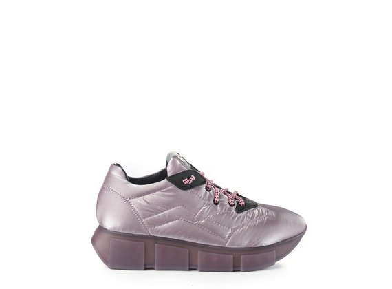 Running trainers in silky lilac nylon