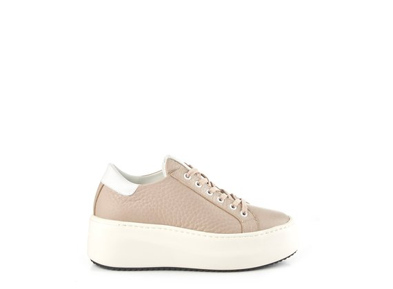 Low-top platform trainers in powder-pink leather