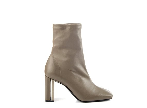 Duplex ankle boots in stretchy clay-grey nappa