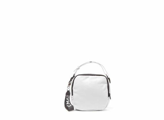 Clarissa<br />White mini bag with 3D strap