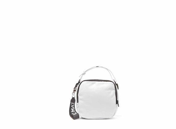 Clarissa<br />White mini bag with 3D strap