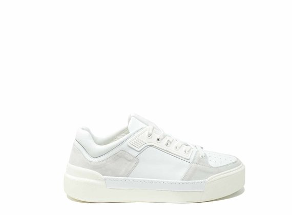 Trainers with rubber part