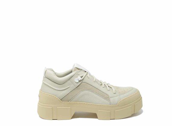 Chaussures à lacets beiges avec renfort