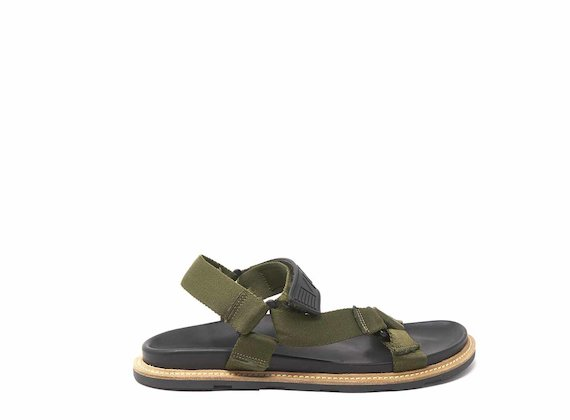 Khaki sandals with rubber strap