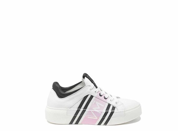 Rosafarbener Sneaker mit Allover-Digitalprint