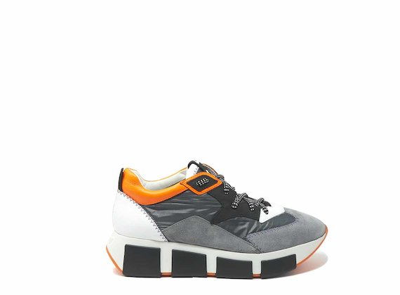 Grey/orange running shoes in leather and nylon