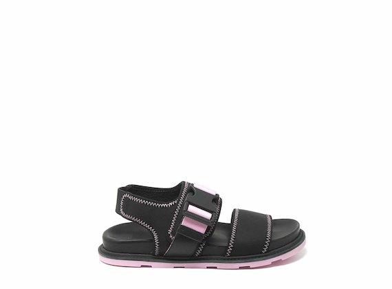 Sandales avec fermeture technique noir et rose et coutures
