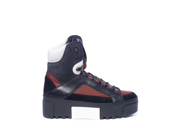 Black and brick-red high-top trekking trainers in split leather and nylon
