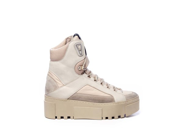 Beige and powder-pink high-top trekking trainers in split leather and nylon