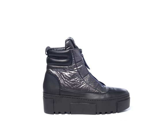 High-top trainers in black leather and steel-grey nylon with zip